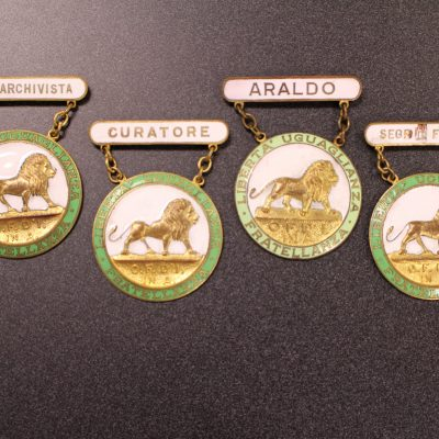 Image of officer pins for the Order Sons of Italy.