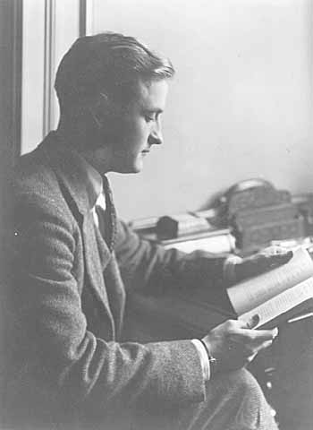 A picture of F. Scott Fitzgerald reading