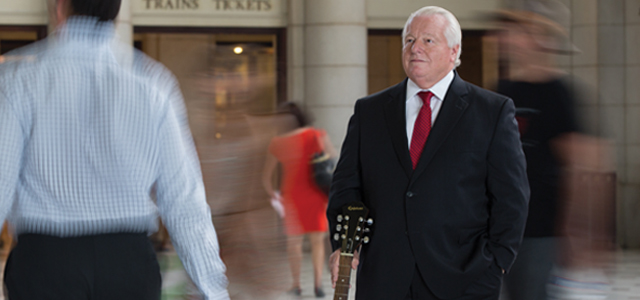 Roger Dow '68 uses hard work, charm and a bit of wit to promote the United States as a top travel destination.