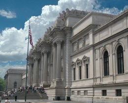 1024px-metropolitan_museum_of_art_entrance_nyc
