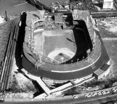 The Fourth and final version of the Polo Grounds. From this viewpoint you can see the bathtub shape that the Polo Grounds has as well as the extremely deep center field. Also notice the double deck that wraps around all whole stadium with the exception of center field.[16]