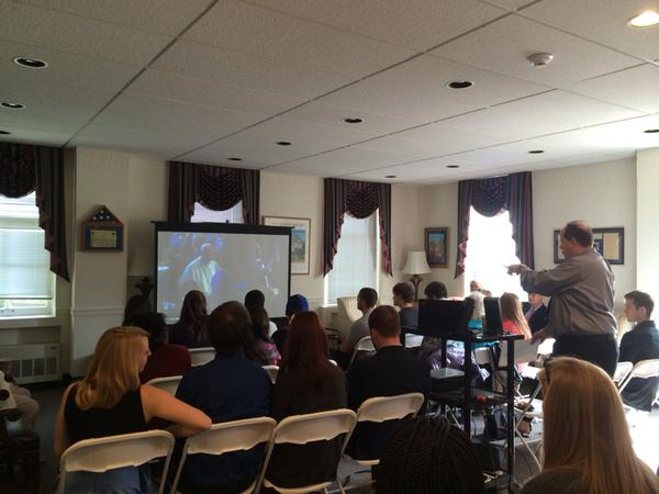 Diplomacy Students Watch and Learn from Papal Address