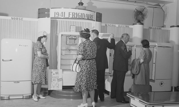 War jumpstarts economy; experts predict postwar spending wave
